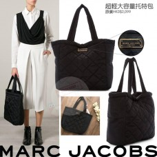 5底: Marc Jacobs Quilted Nylon Tote 黑色超大容量托特包
