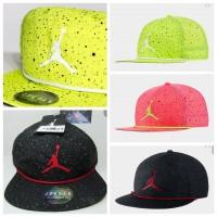 12中: Jordan Pro Snapback 棒球帽