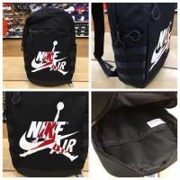 12中: Nike Air Jordan 背包 (黑色)
