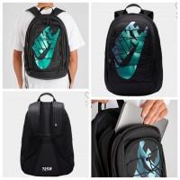 12中: Nike 2.0 大LOGO背包