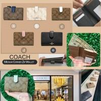 8中: Coach 單扣銀包