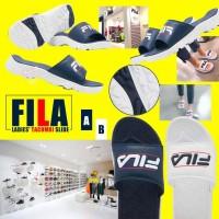 8底: FILA 大人厚底拖鞋 (深藍色)