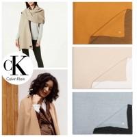 6底: Calvin Klein 雙面色特大圍巾