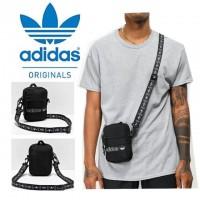 9底: Adidas Originals 黑色斜咩小包包