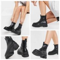 9底: RAID 女裝短筒靴 (黑色)